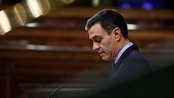 """""""Temos de conseguir o tempo necessário para que a ciência encontre tratamentos eficazes"""", disse Sánchez este sábado"""