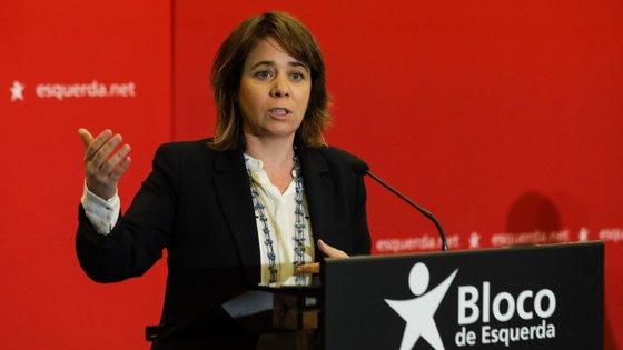 """BE tem """"toda a solidariedade com o Governo"""" por saber que """"este é um momento difícil"""", mas para Catarina Martins é evidente que não se pode """"estar a tentar negociar com a banca"""""""