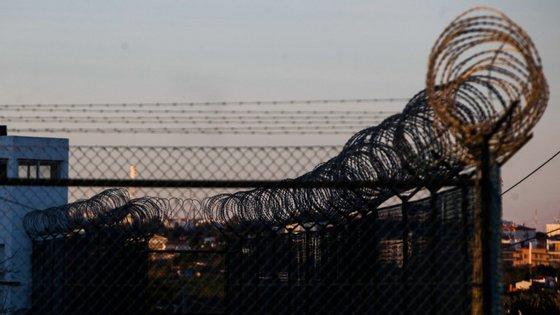 Desde o passado dia 16 de março, as visitas de familiares estão suspensas na totalidade das cadeias do país (JOÃO PORFÍRIO/OBSERVADOR)