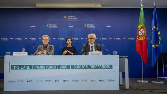 """Portugal entrou na fase de mitigação -- a """"mais crítica"""" da pandemia"""" --, anunciaram esta quarta-feira a diretora-geral da Saúde, Graça Freitas, e o secretário de Estado da Saúde, António Sales"""