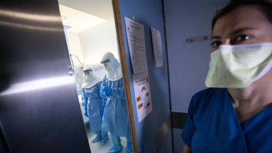 Para o médico dos Cuidados Intensivos do Hospital Egas Moniz, a quarentena nacional pode ser insuficiente para travar a propagação do vírus