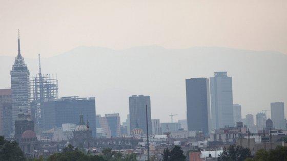 Em Lisboa, segundo os dados, os níveis médios de dióxido de azoto, emitido especialmente pelos transportes rodoviários, caíram 40% de uma semana para a outra