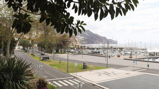 """""""Não podemos estar preocupados nem com deficits, nem com limites de endividamento, nem com contração de dívidas"""", declarou o vice-presidente da Madeira"""