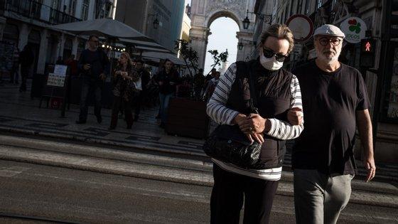 Portugal tem cada vez mais casos importados e, nas últimas 24 horas, foram detetados casos vindos de 12 novos países
