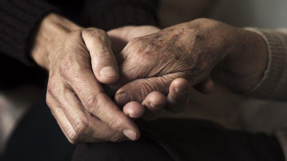 A Câmara Municipal do Porto anunciou que os idosos a residir em lares ou residências coletivas na cidade do Porto vão ser testados nos próximos dias à Covid-19