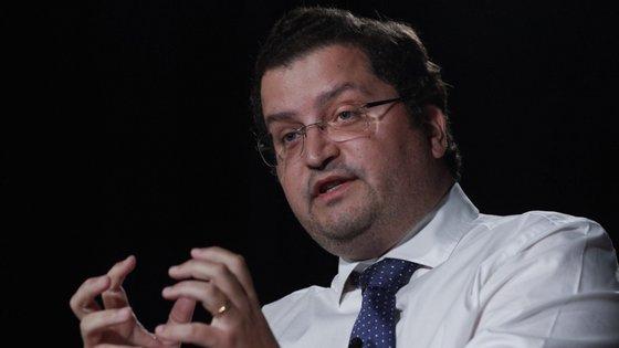 """Joaquim Miranda Sarmento, o """"Centeno de Rio"""", organiza os contributos do PSD para a área da economia na resposta ao coronavírus"""