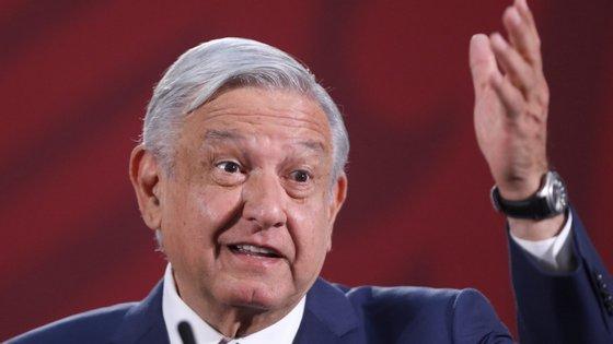 """O responsável das Américas desta ONG considerou que o chefe de Estado do México expõe a população a """"graves perigos"""", devido ao """"desinteresse"""" e o """"descuido"""" no fornecimento de """"informações reais"""""""