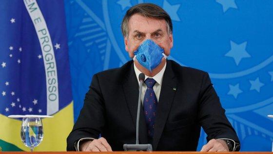 """Bolsonaro disse que """"a neurose"""" vai levar ao desemprego e prejudicar a economia do país"""