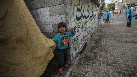Este foi o primeiro confronto registado no enclave palestiniano em pleno surto do novo coronavírus
