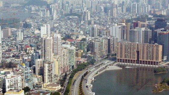Na sexta-feira, mais 152 pessoas chegaram a Macau, 106 dos quais estudantes, e tiveram de ir para os hotéis designados pelo Governo.