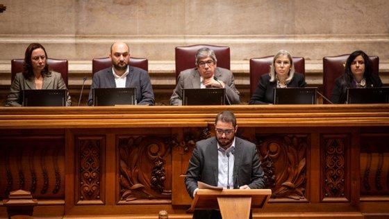 """PCP leva projetos de lei a discussão no Plenário para tentar dar """"solução"""" a problemas dos portugueses"""