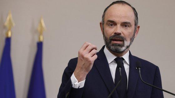 O primeiro-ministro francês Edouard Philippe diz que a primeira quinzena de abril vai ser ainda mais grave