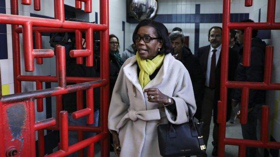 A ministra da Justiça, Francisca Van Dunem, está a avaliar a contaminação nas prisões para tomar medidas