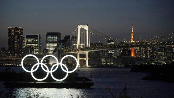 O anúncio foi feito por Yoshiro Mori, pouco depois de uma conversa telefónica com o presidente do Comité Olímpico Internacional