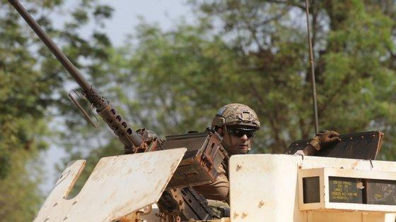 """Os militares participavam na operação """"Inherent Resolve"""", como 10ª Força Nacional Destacada no Iraque"""