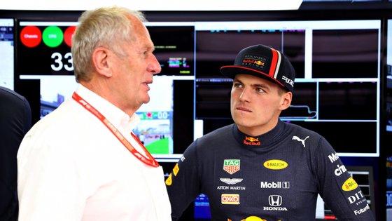 """Helmut Marko era supervisor do programa de desenvolvimento de pilotos onde Max Verstappen esteve até dar o """"salto"""""""