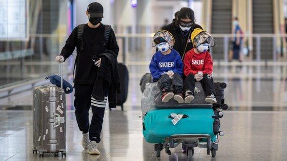 O Aeroporto Internacional de Macau estimou que em 2019 a receita total das principais operadoras do aeroporto tenha sido de 6,27 mil milhões de patacas (709 milhões de euros), mais 13,6% que no ano anterior