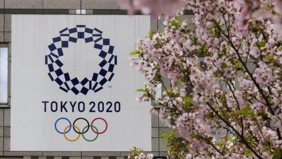 Em causa, está o adiamento dos Jogos Olímpicos para 2021, entre 23 de julho a 8 de agosto, devido à pandemia da Covid-19, que impede que Tóquio2020 decorra como previsto