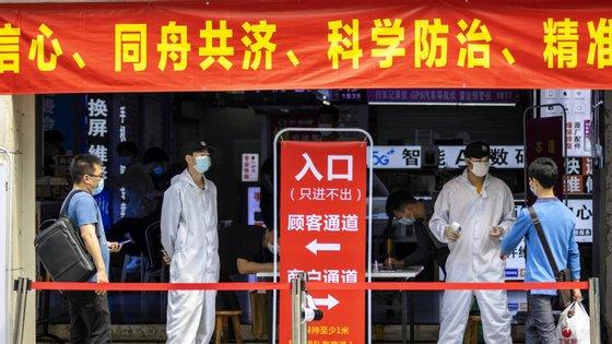 Diretor-geral do Centro Chinês de Controlo e Proteção de Doenças critica referência de Trump ao vírus chinês