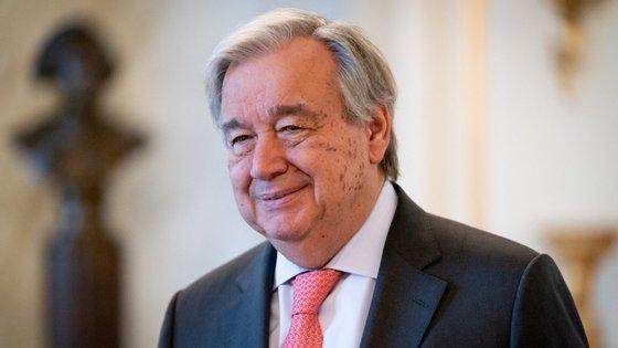 """António Guterres diz-se preocupado com os efeitos da Covid-19 em zonas menos desenvolvidas e teme """"milhões de mortos"""" em África"""