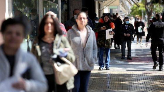 A Grécia, país com 11 milhões de habitantes, regista até ao momento 43 vítimas mortais da covid-19 e 1.212 pessoas estão infetados