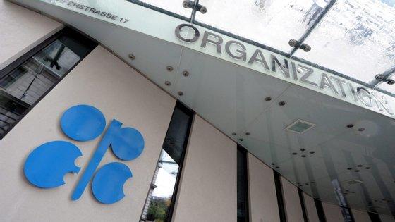 O valor médio do petróleo da OPEP em março já é de 34,46 dólares, menos 38% que em fevereiro