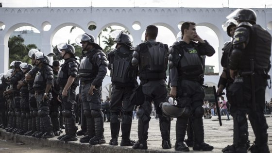 Os agentes da força nacional também participarão na segurança e assistência do controlo sanitário em portos, aeroportos, rodovias e centros urbanos