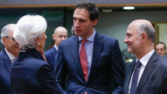 Wopke Hoekstra, ao centro, é ministro das finanças da Holanda