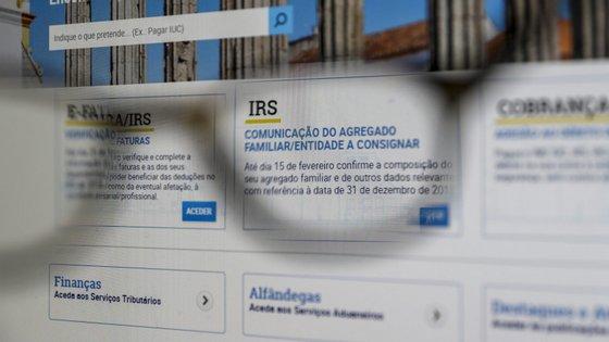Este ano, os requisitos para se poder beneficiar do IRS automático mantiveram-se iguais aos que vigoraram no ano passado, pelo que o universo potencial de beneficiários ascende a 3,2 milhões