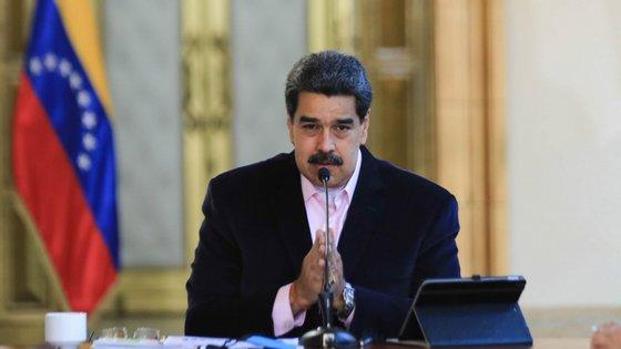"""Segundo Nicolás Maduro, o barco da Marinha venezuelana foi abalroado """"de maneira brutal"""""""