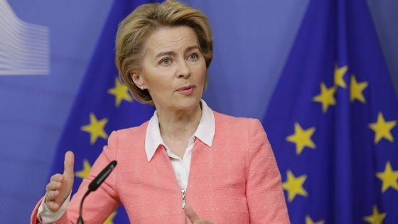 A presidente da Comissão Europeia quer que mais trabalhadores permaneçam nos empregos durante a crise