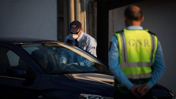 O caso aconteceu num parque de estacionamento de um supermercado em Budens, freguesia do concelho de Vila do Bispo