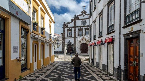 Composto por 24 freguesias, Ponta Delgada é o concelho mais populoso dos Açores, com cerca de 68 mil habitantes