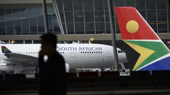 Cidadãos alemães serão submetidos a uma triagem rigorosa antes do embarque e que a operação exclui pessoas em regime de quarentena na África do Sul que testaram positivo
