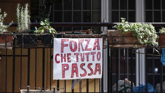 Perto de 120 mil pessoas já foram infetadas com a Covid-19 em Itália