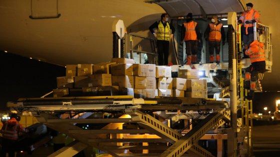 """Responsáveis brasileiros dizem que encomenda foi retida por """"razões técnicas"""""""