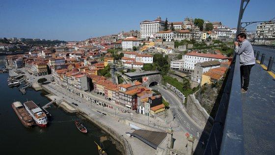 Câmara do Porto financiou realização de testes nos lares do concelho