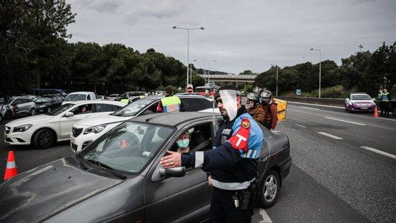 A ação de sensibilização e fiscalização rodoviária foi feita à entrada da Ponte 25 de Abril, no sentido norte-sul