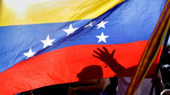 "Nicolás Maduro acusou o cruzeiro de bandeira portuguesa Resolutede ter realizado um ato de ""terrorismo e pirataria"""