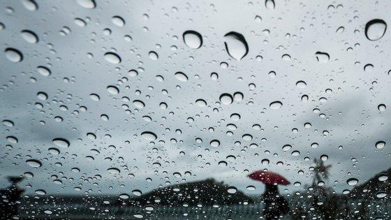 IPMA coloca oito distritos em alerta amarelo devido ao mau tempo
