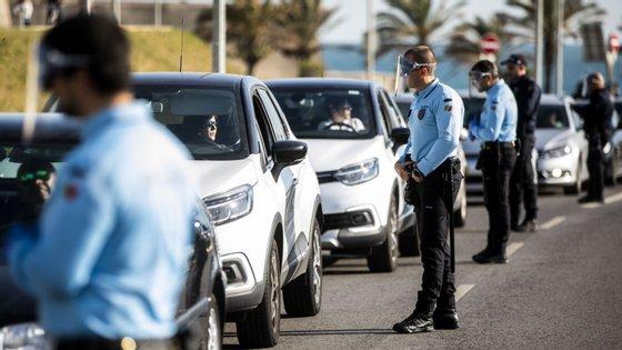 Ministério da Administração Interna anunciou que este domingo 14 pessoas foram detidas por desobediência (ANDRÉ DIAS NOBRE / OBSERVADOR)