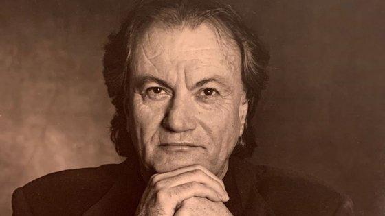 Sergio Rossi morreu aos 84 anos, depois de ter sido hospitalizado na sequência de uma infeção pelo novo coronavírus