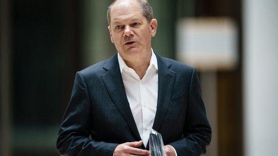 """O ministro das Finanças considerou que se trata de """"montantes notáveis"""" para contribuir para a estabilização económica"""