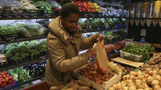 """A Comissão Europeia quer garantir que """"os cidadãos europeus continuam a ter acesso a alimentos de alta qualidade e acessíveis"""""""
