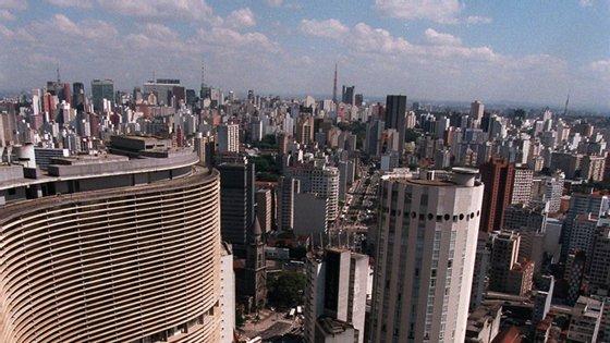 São Paulo é o epicentro do coronavírus no Brasil e já registou pelo menos 275 mortes e 4.620 casos confirmados da doença