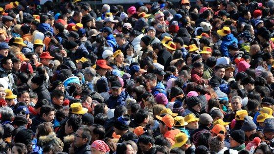 Imagens de Huangshan, no Ano Novo Chinês, em 2017, que não diferem muito das captadas no último fim de semana. Só faltam as máscaras