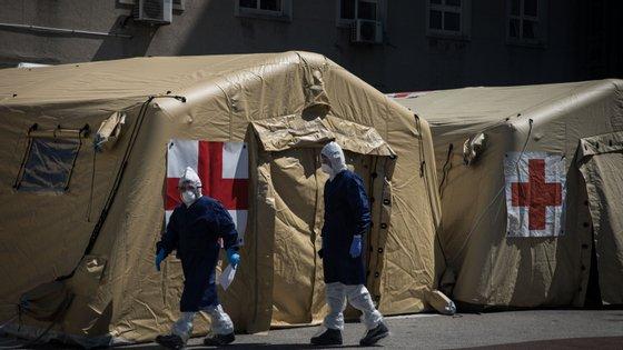 A nível europeu, o IHME calcula que o pico diário da taxa de mortalidade por causa da pandemia de Covid-19 vai ser atingido na terceira semana de abril