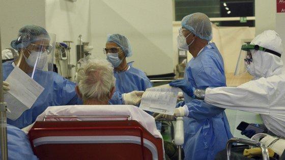 Em Portugal, segundo o balanço feito esta quarta-feira pela Direção-Geral da Saúde, registaram-se 380 mortes