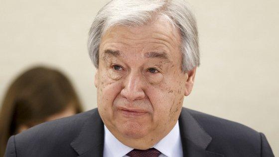 """António Guterres diz que OMS """"deve ser apoiada"""" e que é """"absolutamente crítica"""" para combater a pandemia do novo coronavírus"""