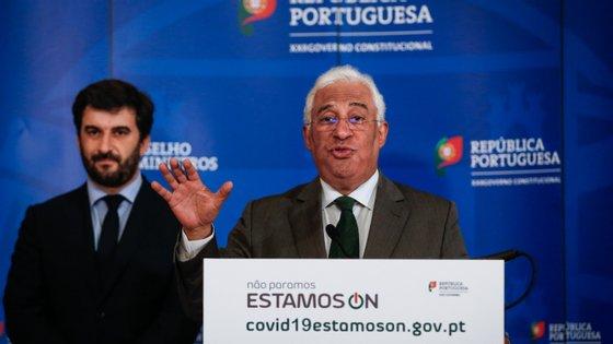 """Costa diz que o que distingue Portugal é """"maturidade democrática"""" e antecipa que ministro da Educação vai prestar mais esclarecimentos aos telejornais esta quinta-feira à noite"""
